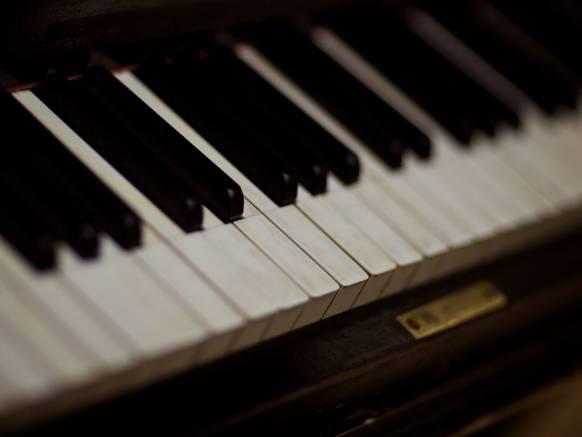 Широкоформатные обои Фортепиано, Клавиатура музыкального инструмента рояля