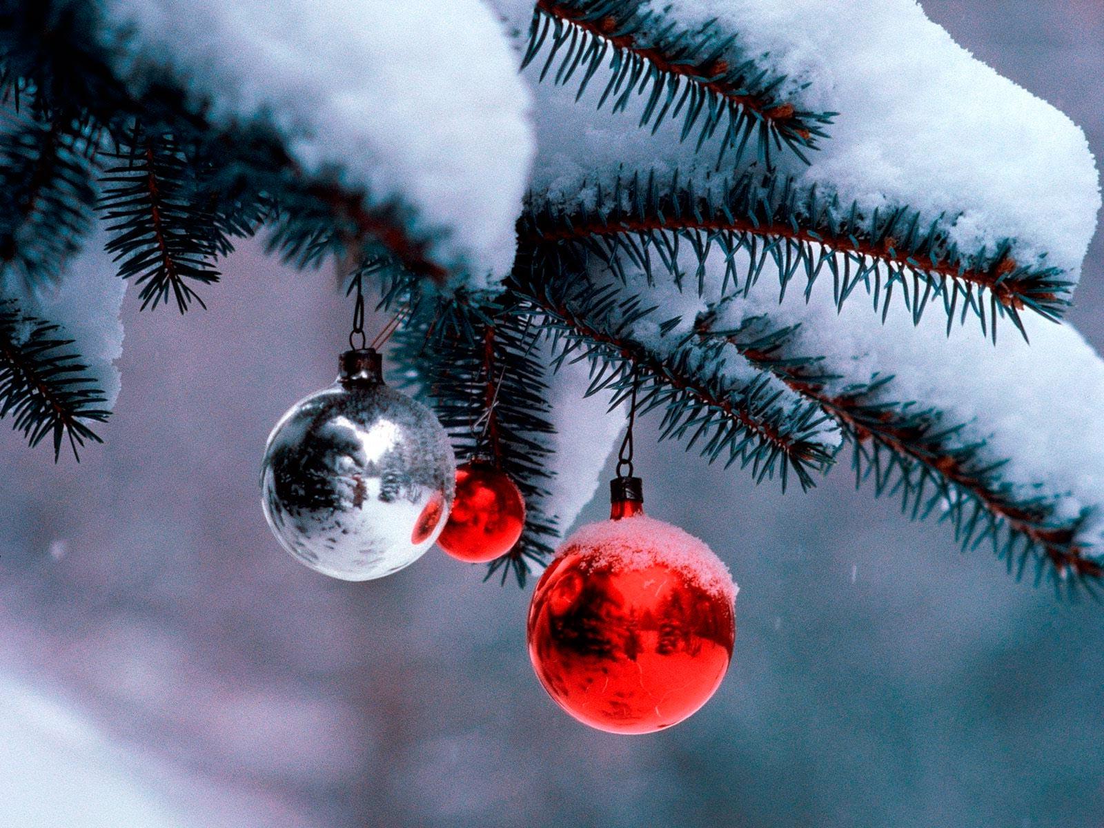 Широкоформатные обои новогодние шары