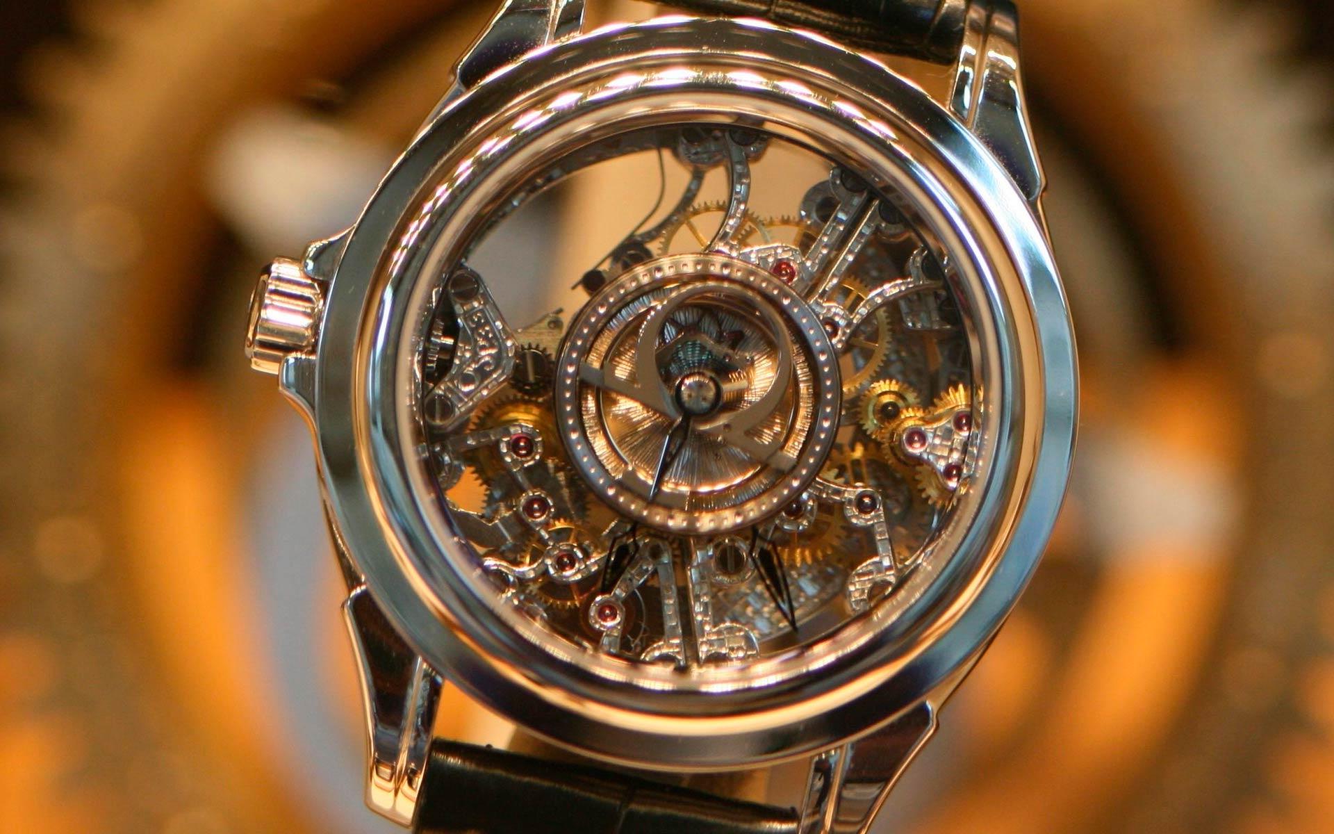 Как заводить механические часы: советы