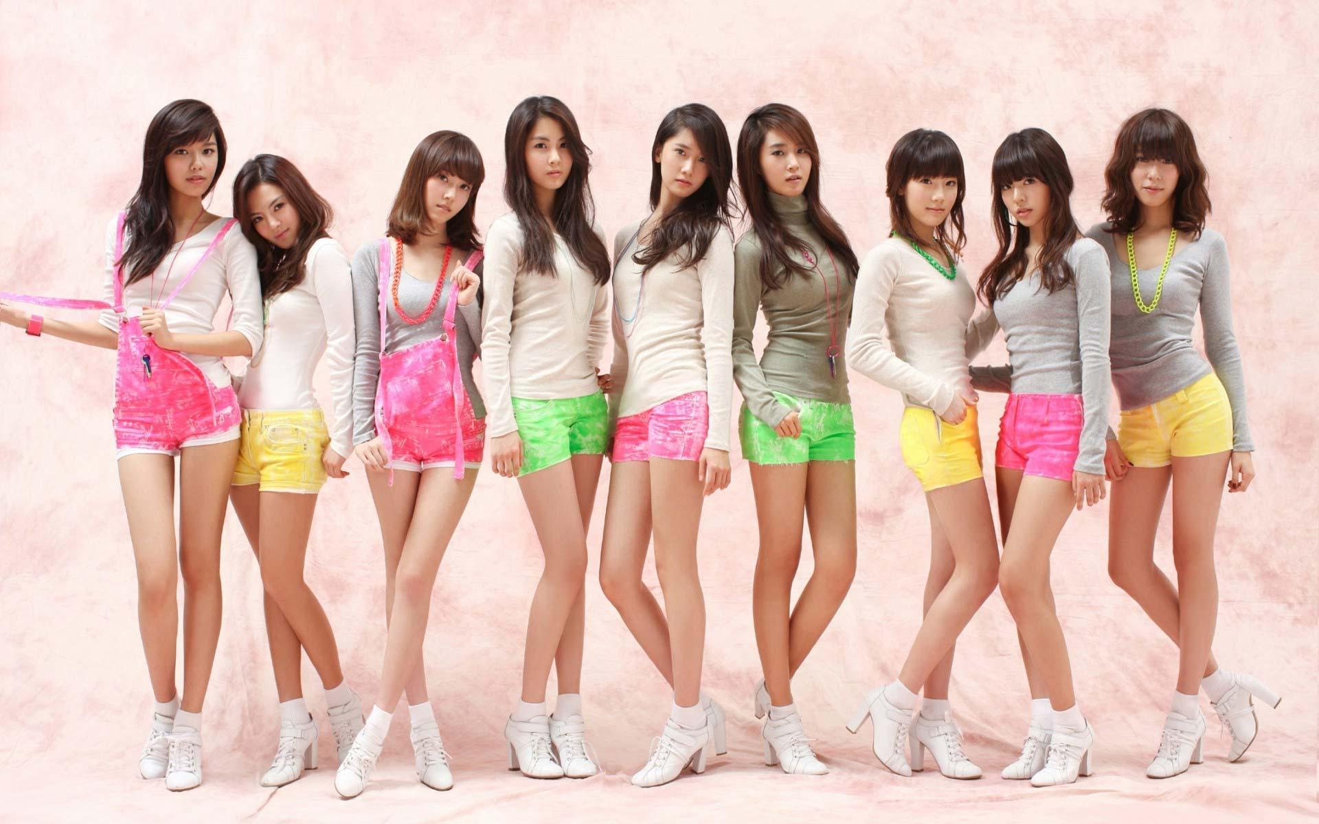 Girls  Desktop Wallpapers